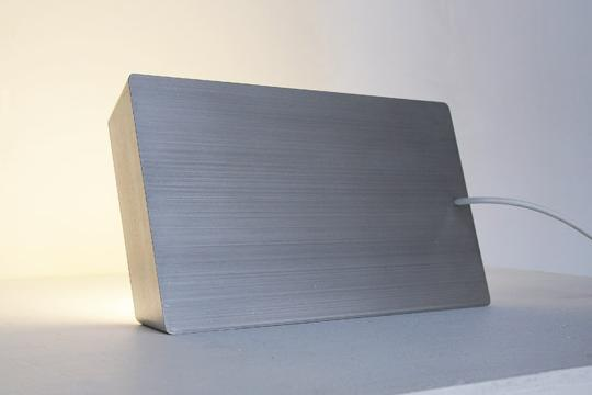 lampara-aluminio-macbook